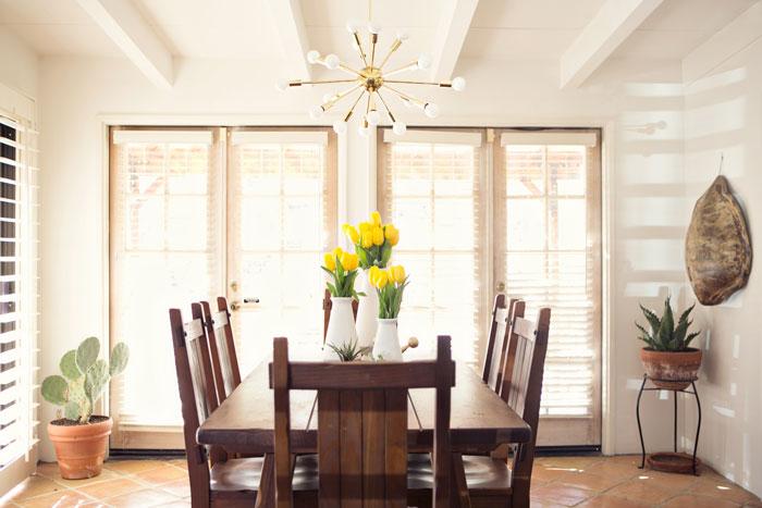 Jaimi-dining table