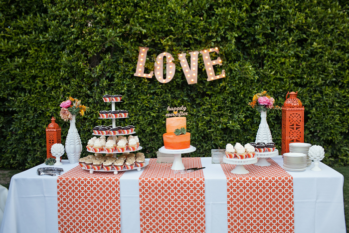 Amberly+Scott-Parker-Palm-Springs-Wedding-Cake-Dessert-Table