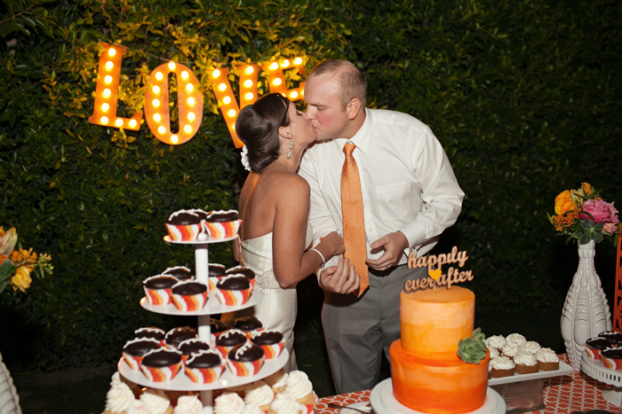 Amberly+Scott-Parker-Palm-Springs-Wedding-Cake-cutting