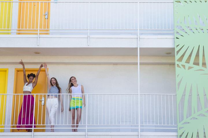 Coachella-Fashion-balcony2-720