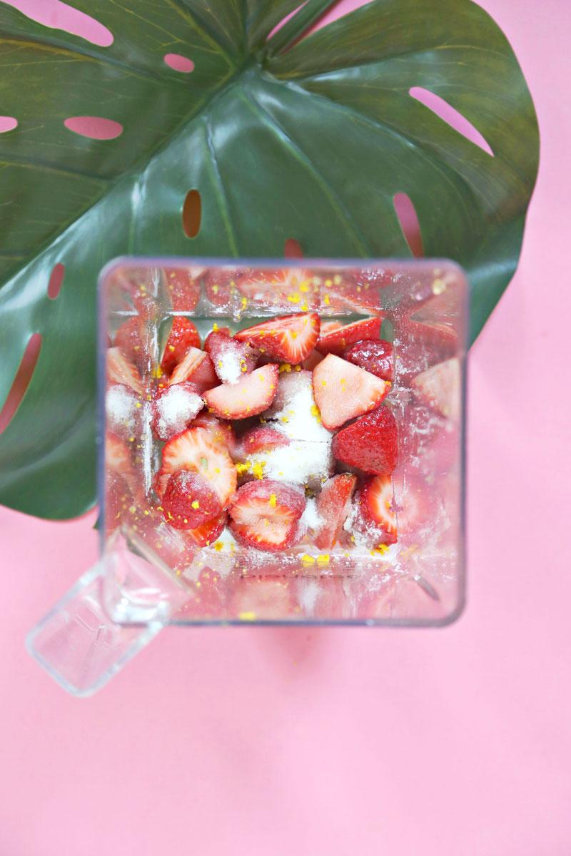 Strawberry-Negroni-Popsicles-3-800